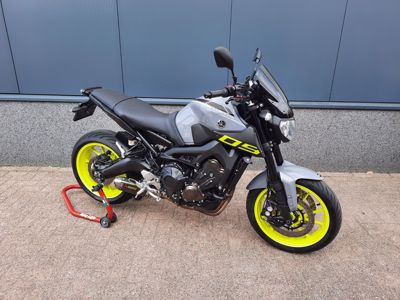 ....Yamaha MT-09 2016