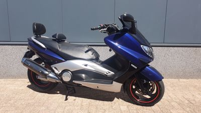 ....Yamaha T-Max 500  ( A2 motor )