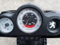 VERKOCHT....Peugeot Speedfight II zwart 25 km/h