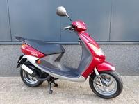 VERKOCHT....Peugeot Viva City  25 km/h rood