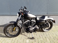 VERKOCHT.....Harley Davidson 883 Iron Black 2011 (nieuwstaat)