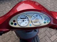 VERKOCHT.........Piaggio Liberty 45 km/h rood