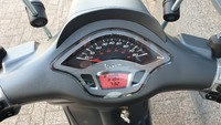 VERKOCHT....Vespa Sprint Sport 25 km/h grijs 2015