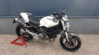 DucatiMonster 696 wit 2009