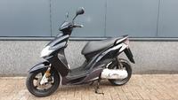 VERKOCHT.....Yamaha Jog R 45 km/h zwart