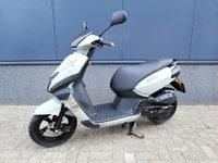 VERKOCHT....Peugeot Kisbee Streetzone 25 km/h 2014