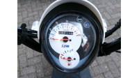 VERKOCHT...SYM Mio 25 km/h bruin/wit Aniversary  2012