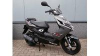 VERKOCHT....Yamaha Aerox 4 T 2016 grijs mat / zwart 45 km/h