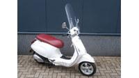 VERKOCHT.....Vespa Primavera wit 25 km/h 2014