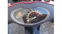 VERKOCHT.....Peugeot Viva city 25 km/h Rood