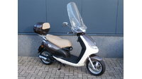 VERKOCHT...Peugeot New Viva Sixties 25 km/h