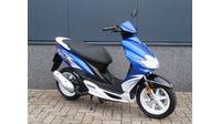 VERKOCHT....Yamaha Jog R 45 km/h blauw 2012