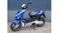 VERKOCHT....Yamaha Aerox blauw 2013