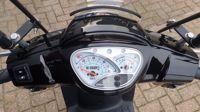 VERKOCHT....Kymco Like TT zwart 25 km/h 2015