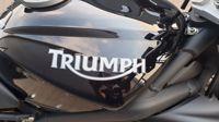 VERKOCHT.....Triumph Street Triple 675 zwart 2009