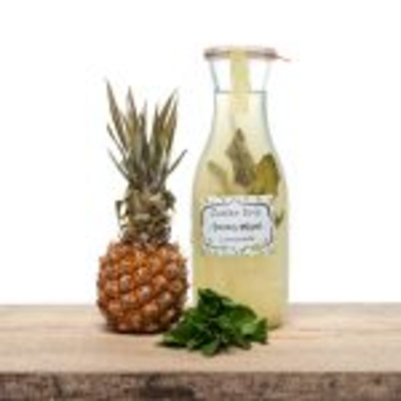 Ananas - Munt Lemonade, Zuster Evie