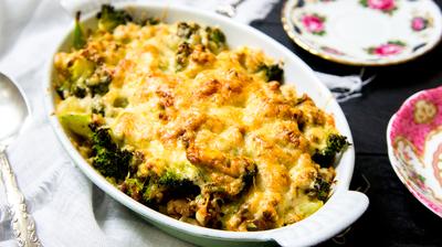 Recept: Broccolischotel met Kerriegehakt