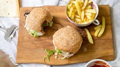 Recept: Broodje hamburger met verse friet
