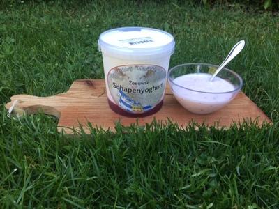 Zeeuwse Schapenyoghurt met aardbei  (NIEUW! 0,5L)