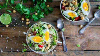 Recept: Quinoasalade met kikkererwten